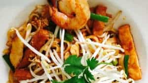 Shrimp Pad Thai by Asian Mint